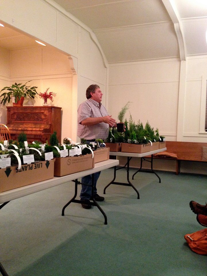 larry-speaking-Metropolitan-Garden-Club-of-Portland.jpg